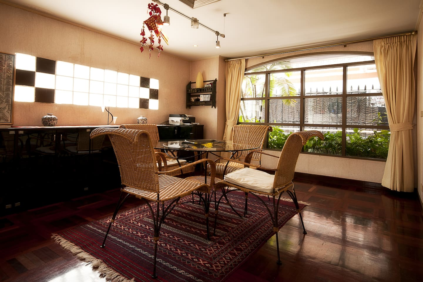 This townhouse is a quiet sanctuary mid-Sukhumvit with stylish interior