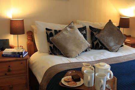 B&B in Braemar, Royal Deeside - Bed & Breakfast