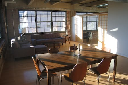 Large, Light Downtown Loft!