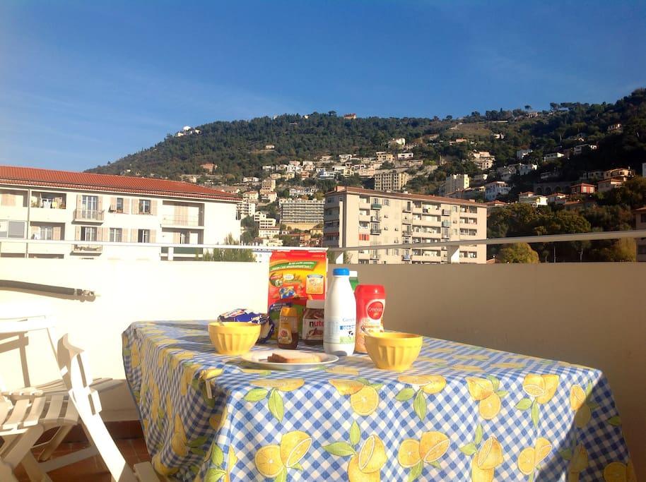 Chambre priv e au calme avec balcon appartements louer for Chambre a louer nice