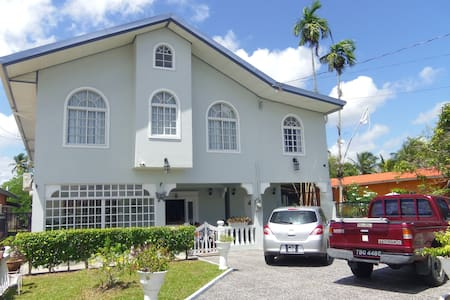 Airport Inn- rm1, 3 mins to Airport - Piarco