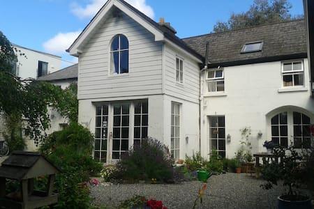 Corner House, Newtownmountkennedy - Casa