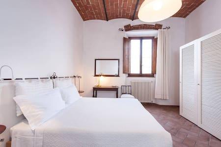 Ferienwohnung am Kirchplatz - Lutherstadt Wittenberg - Apartment