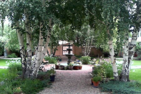 2 BLOCKS FROM PLAZA, COZY PARADISE - Taos - Appartement