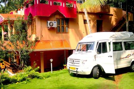 The Ganesh House Homestay Kovalam Samudra Beach - Vendégház
