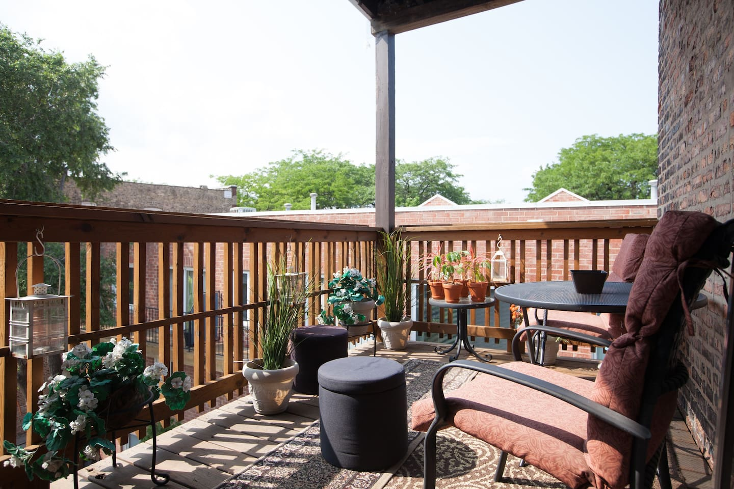 Take a moment to enjoy the bright sky from your private deck!  Glorious!