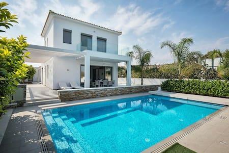 Modern Sea Front Villa, Limassol - Villa