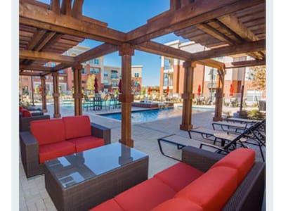 New Fully Furnished Luxury Condo - Plano - Condominium