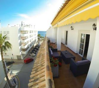 beach view terrace, wifi ,2 bedroom - La herradura - Leilighet
