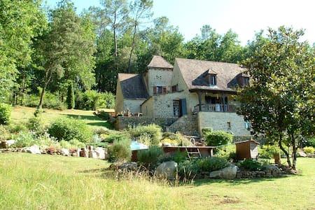 La Baraque old Farmhouse S W France - Bed & Breakfast
