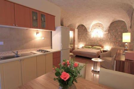Amalija Apartments @ Lopud - Lopud - Huoneisto