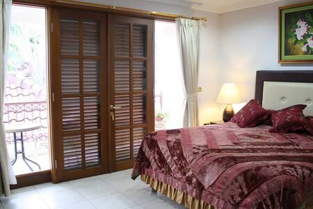 Jnr Suite Private Bath AC TV WIFI - Bed & Breakfast