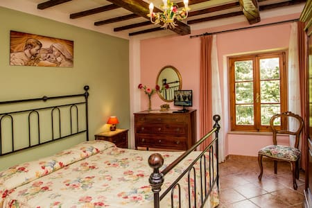 Bedroom Girasole in Tuscany