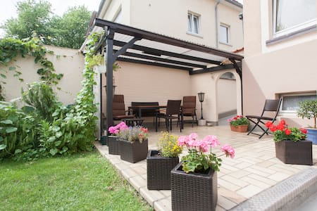Top floor apartment with garden use - Mannheim - Wohnung