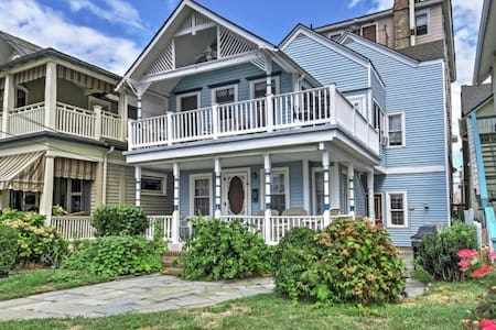 1BR + Loft Ocean Grove Home on Beach Block! - Neptune Township