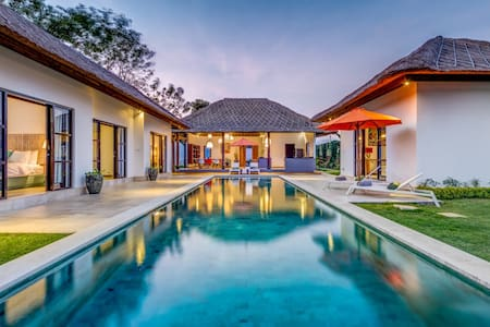 Beautiful new villa,large pool