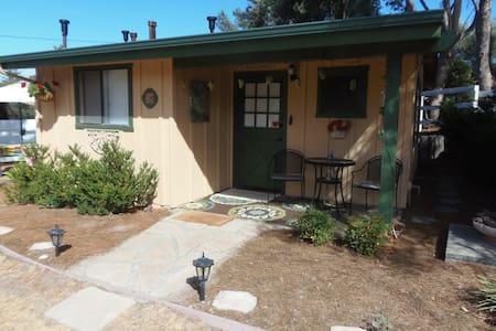 Guest Cottage in Santa Ynez