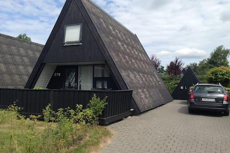 A-golfhus 200 m fra golfcenter  - Farsø