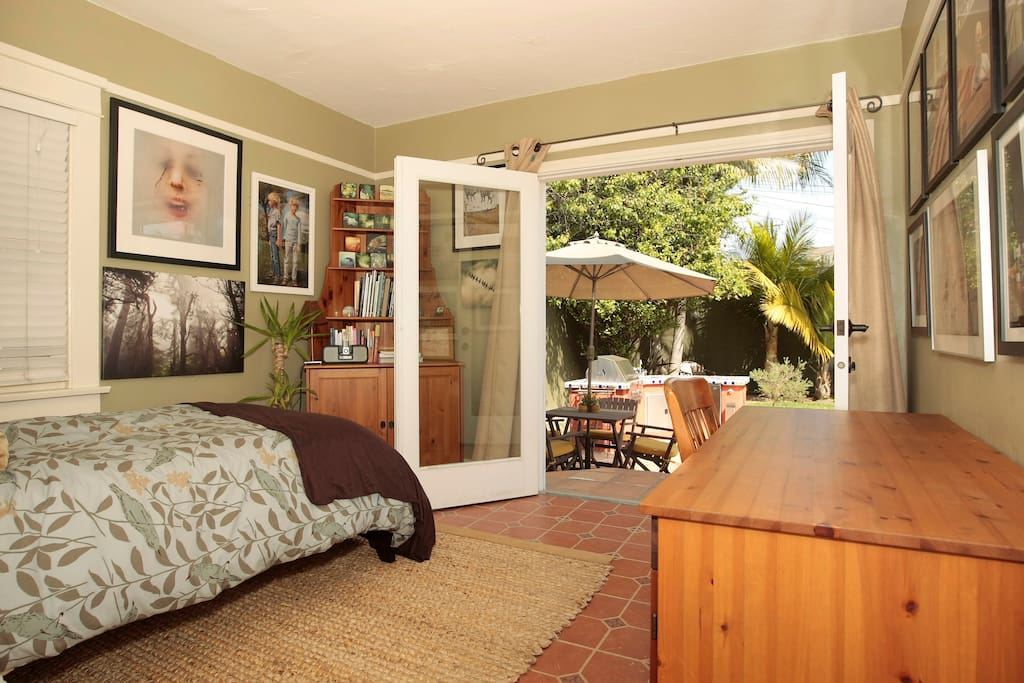 2nd Bedroom with twin bed and french doors to the backyard