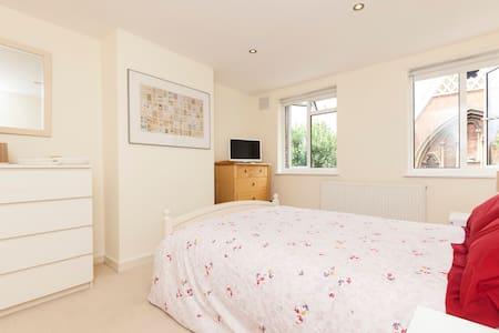 Double-room in Kensington, London