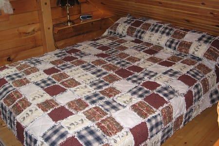 Classic Maine Log Cabin - St. George - Hus