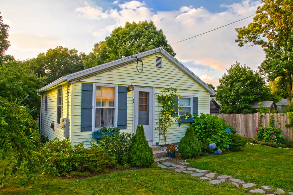 Classic New England Beach Cottage Houses For Rent In