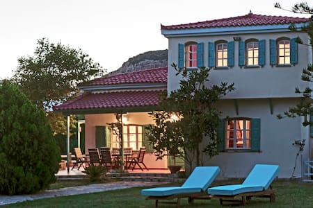 Aeolos villa - Ormos Koumeikon - Vila
