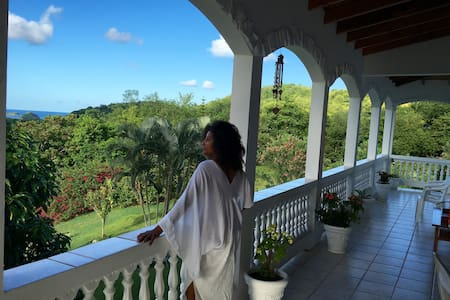 Spacious Vacation Rental with Fabulous Views - Maison