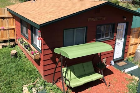 ALPENHUT Close To RMNP W Private Jetted Hot Tub ! - 小屋