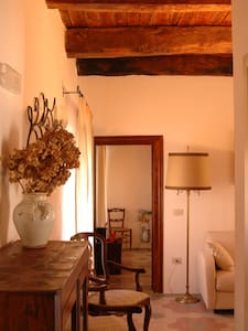 Charming Suite in the Medieval City - Bed & Breakfast
