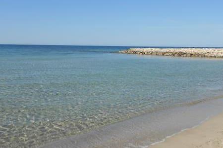Villetta a pochi metri dal mare - San Cataldo - Villa
