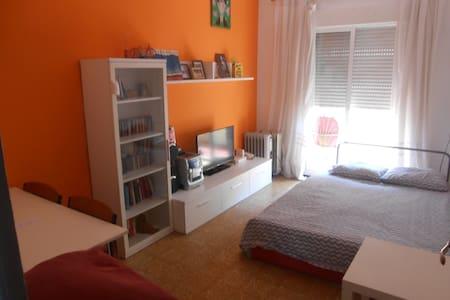 Habitación doble en distrito universidad - Zaragoza