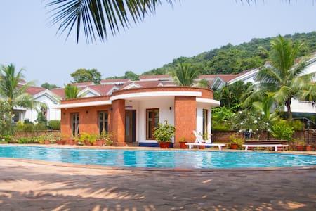 Cozy apt. in a residential resort near club cubana - Arpora