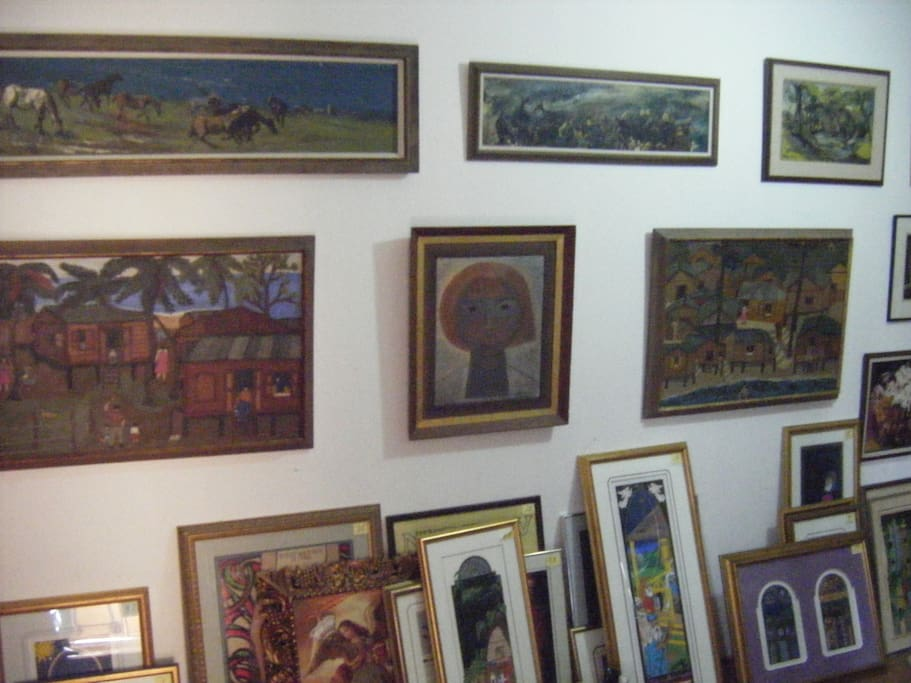The house also hosts the 'Ellie Pruess Gallery' of 'mid-century' Puerto Rican Artists.