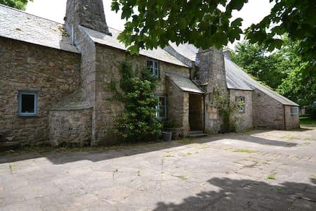 Medieval Welsh Farmhouse - Pembroke