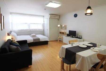 5 min to Seomyeon Stn, Neal's House #1 - Appartamento