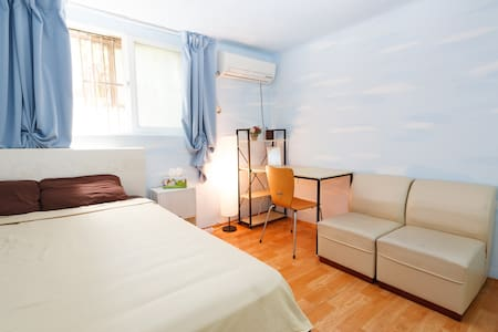 This place is so convenient. With an express line to the airport, fast access to every corner of Seoul, and the hottest streets right out your door, you'll never worry that you're wasting your time.   Please read my entire listing before booking.