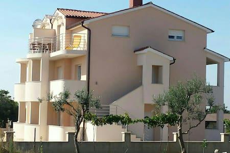 Pula Kroatien Istrien - Apartament