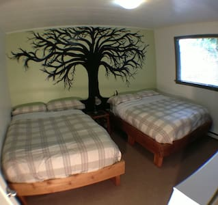 Double Trouble room: 2 comfy double beds - Bed & Breakfast