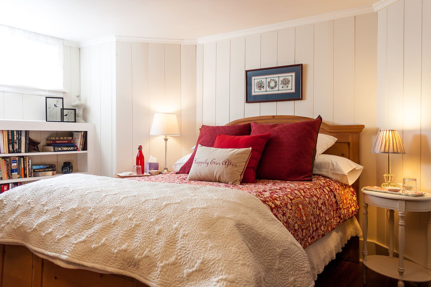 Great comfortable bed. Egyptian cotton sheets. Sterns and Foster Mattress. All linens including mattress pad get washed for each of our guests.