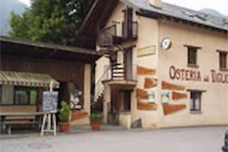 www.osteriadeltiglio.jimdo.com - Hus