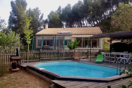 Maison avec piscine et potager - Huis