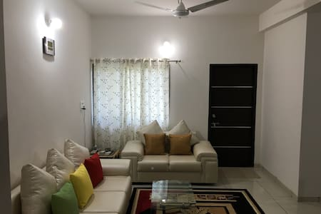 Satvam - Well Furnished 2BR Holiday Home, Vadodara - Apartment