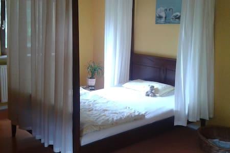 Traumhaftes Schlafzimmer - Lägenhet
