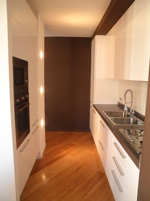 Trendy spacious kitchen