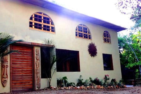 Cocao Rainforest Lodge, Howler Room - Belmopan - Bed & Breakfast