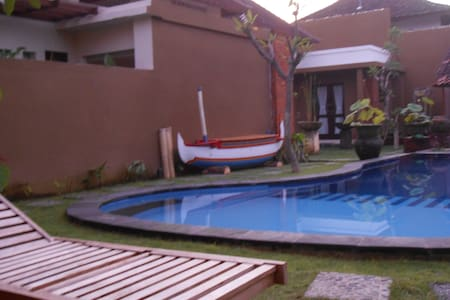 Room type: Private room Property type: Villa Accommodates: 2 Bedrooms: 1 Bathrooms: 7.5