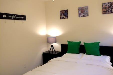 Monrovia 蒙罗维亚市中心2房间的整套公寓,适合小家庭独居。 - Monrovia - Departamento