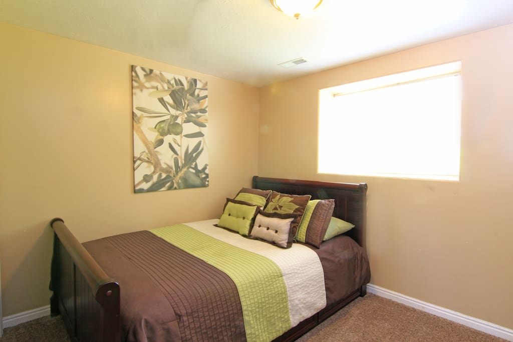 Great Location Great Price! 2BR SLC