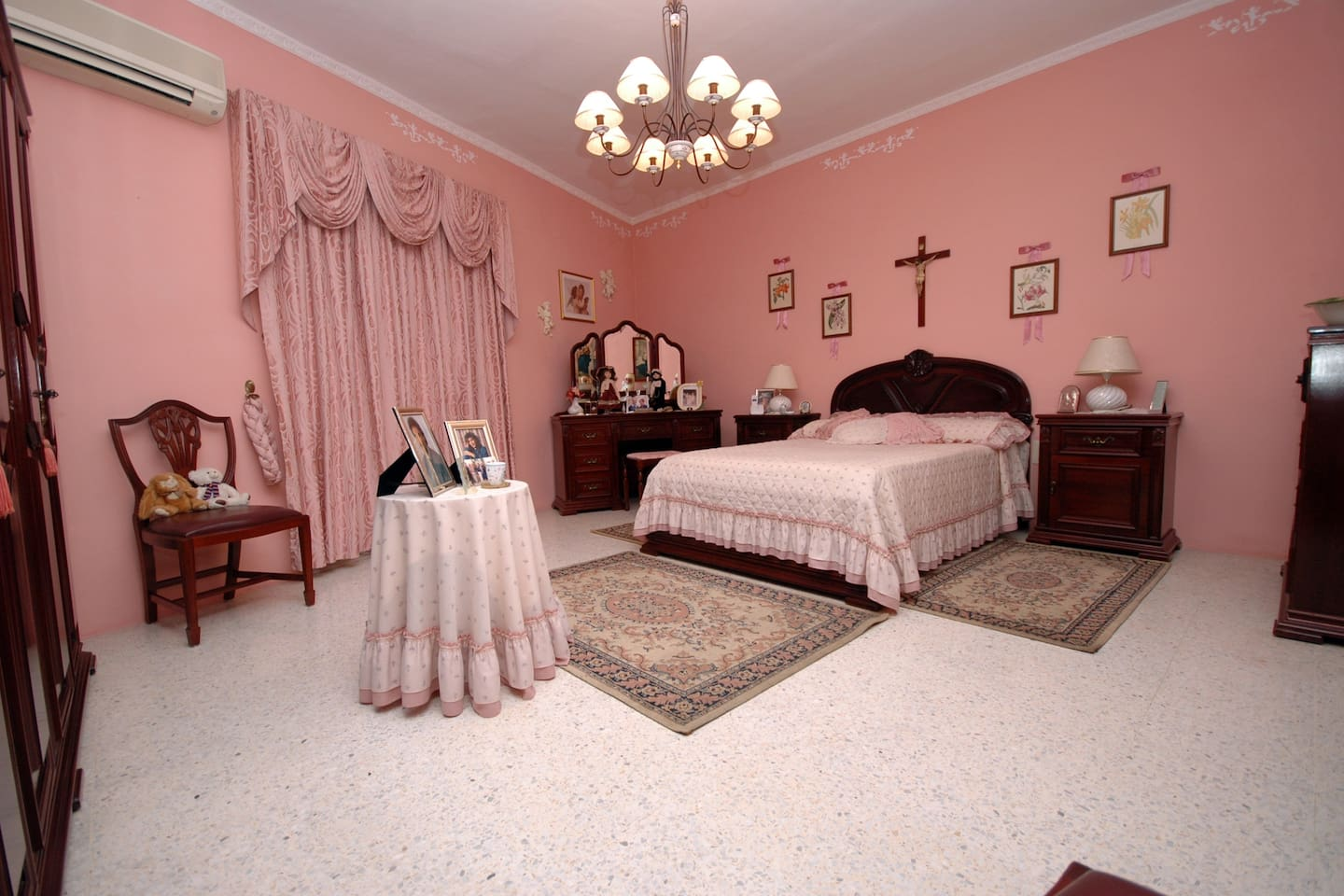 Double main bedroom spacious and comfortable